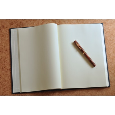 Large Journal (B5)—White (374 pages) - Paper For Fountain Pens