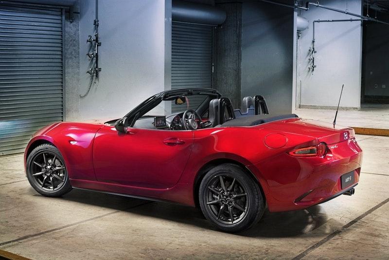 Mazda MX-5 Miata Convertible Roadster