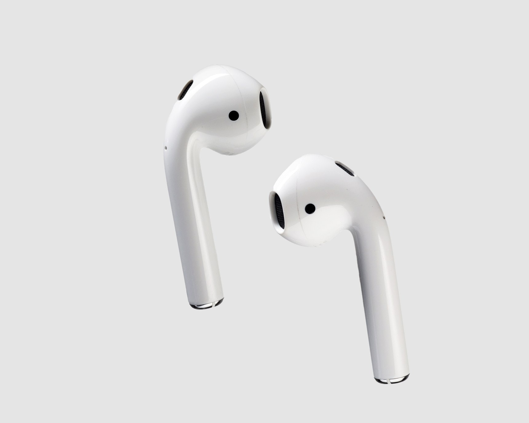 Apple AirPods In-Ear Bluetooth Headphones with Mic (MMEF2C/A) - White : Earbu