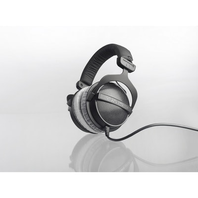 Beyerdynamic DT 770 PRO, 80 ohms: Closed studio headphone