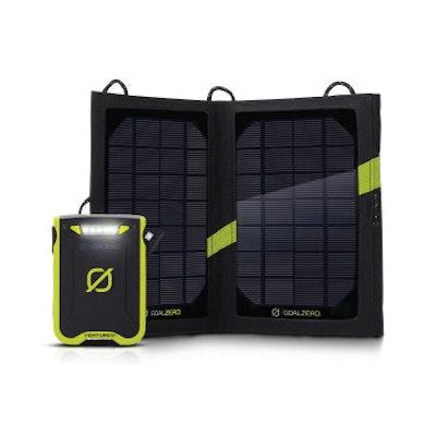 Venture 30 battery & Nomad 7 panel kit