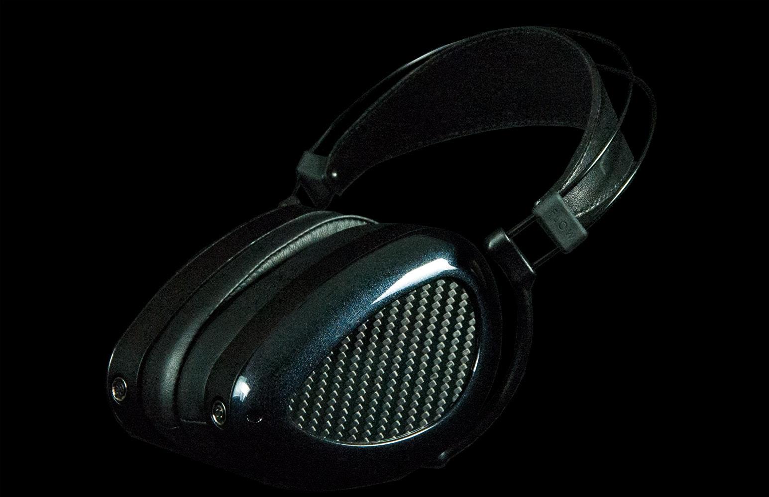 MrSpeakers   ÆON Closed-Back Headphone