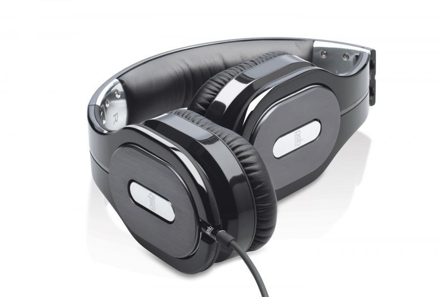 M4U 2 Headphones - PSB Speakers
