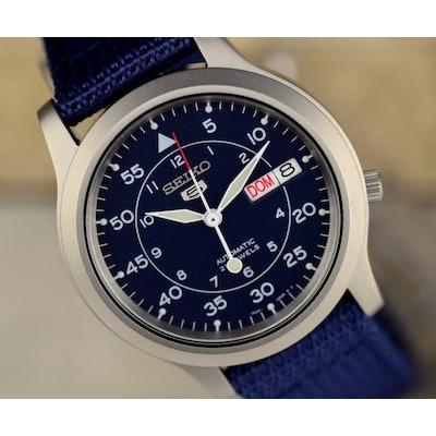 Amazon.com: Seiko Men's SNK807 Seiko 5 Automatic Stainless Steel Watch