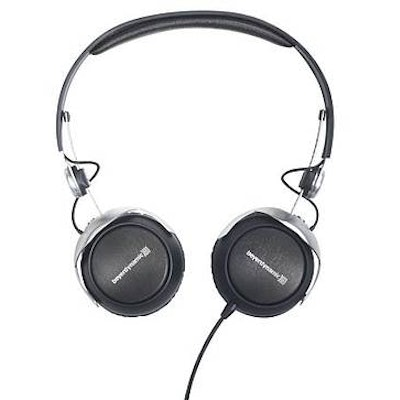 beyerdynamic Closed Professional monitoring headphone with Tesla Technology