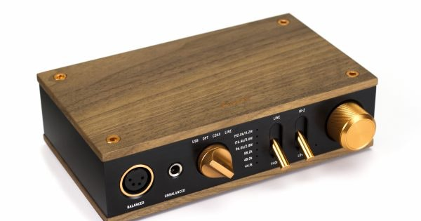 Heritage Headphone Amplifier | Klipsch