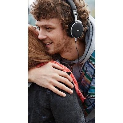 AKG Acoustics | Microphones and Headphones