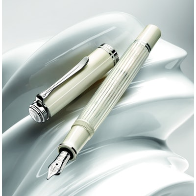 Pelikan M605 White Fountain Pen