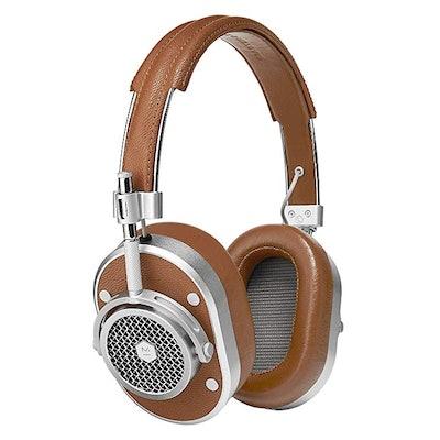MH40 Noise Isolating Over Ear Headphones   Master & Dynamic