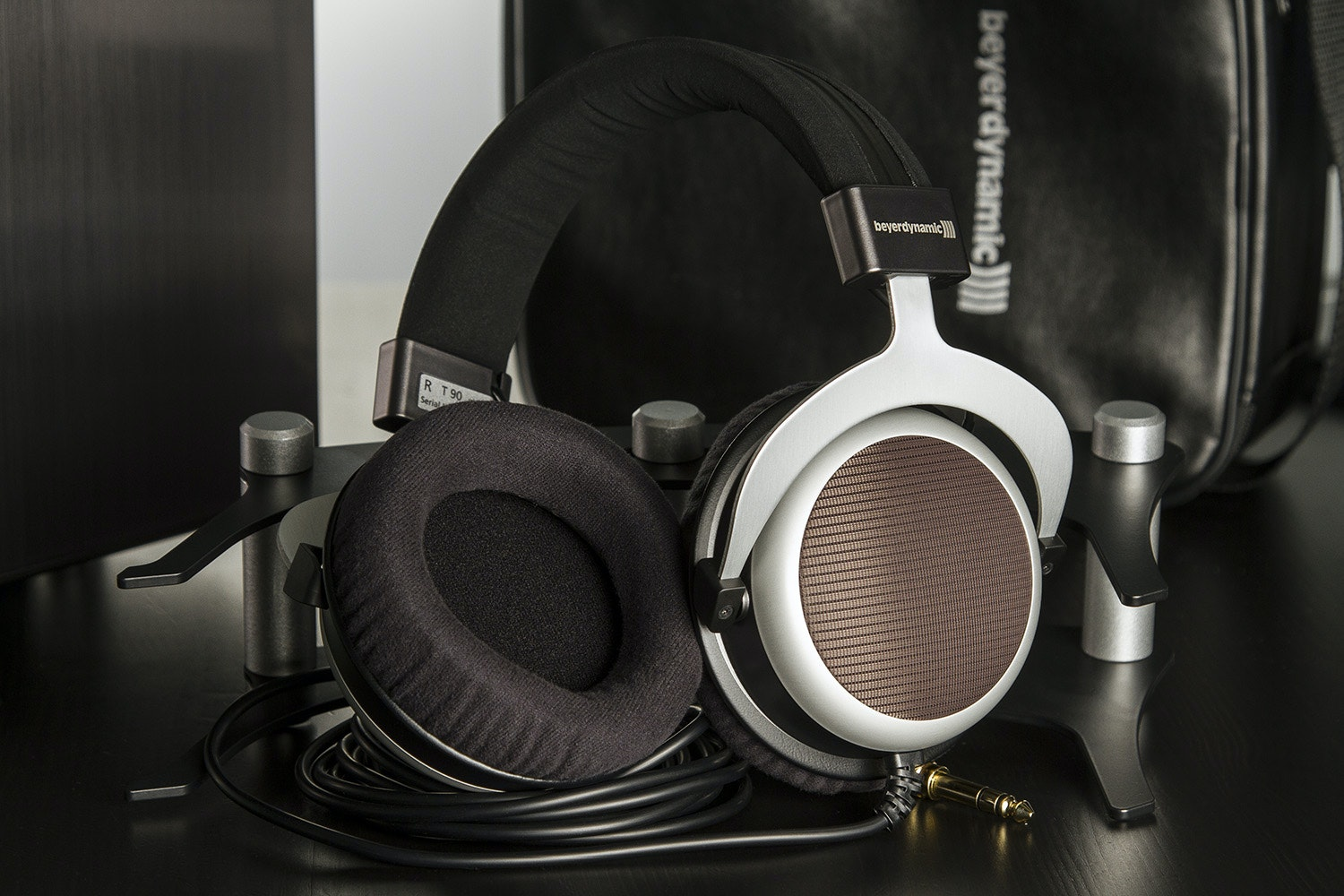 Beyerdynamic T90 Audiophile Headphones