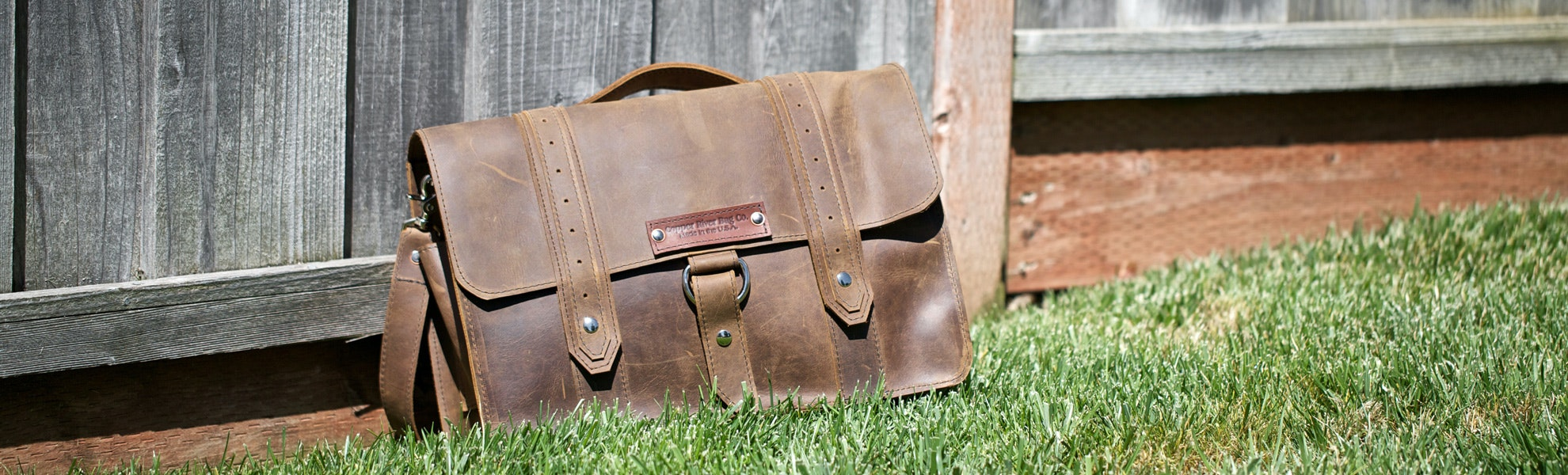 Copper River Voyager 15in Messenger Bag