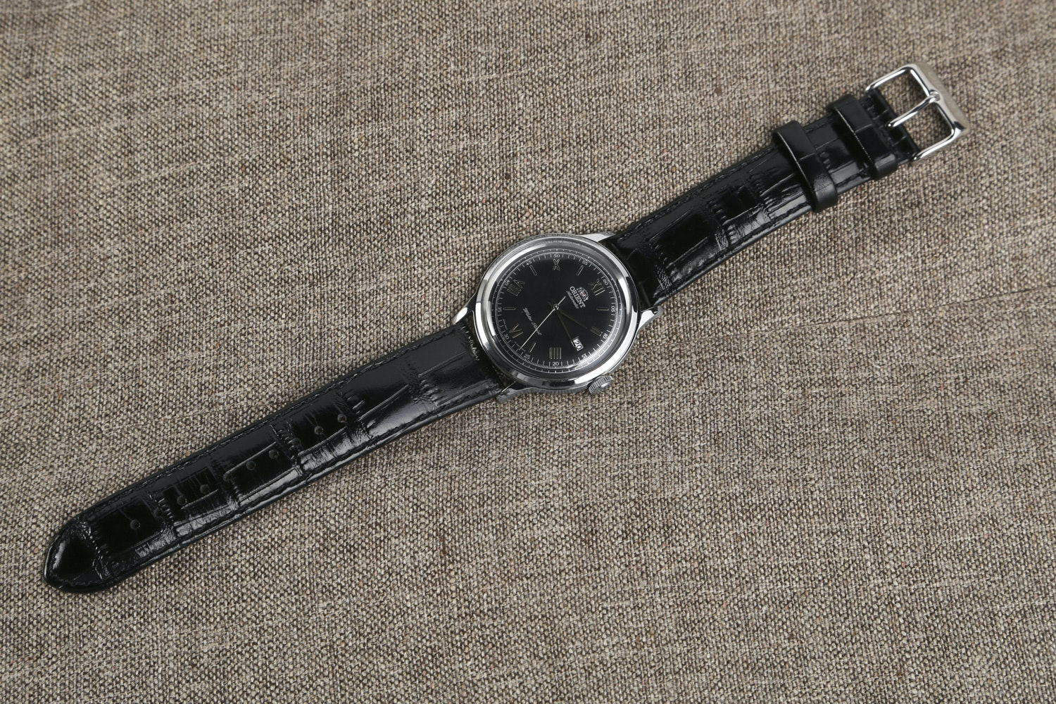 Black Dial with Polished hands FER2400DB0