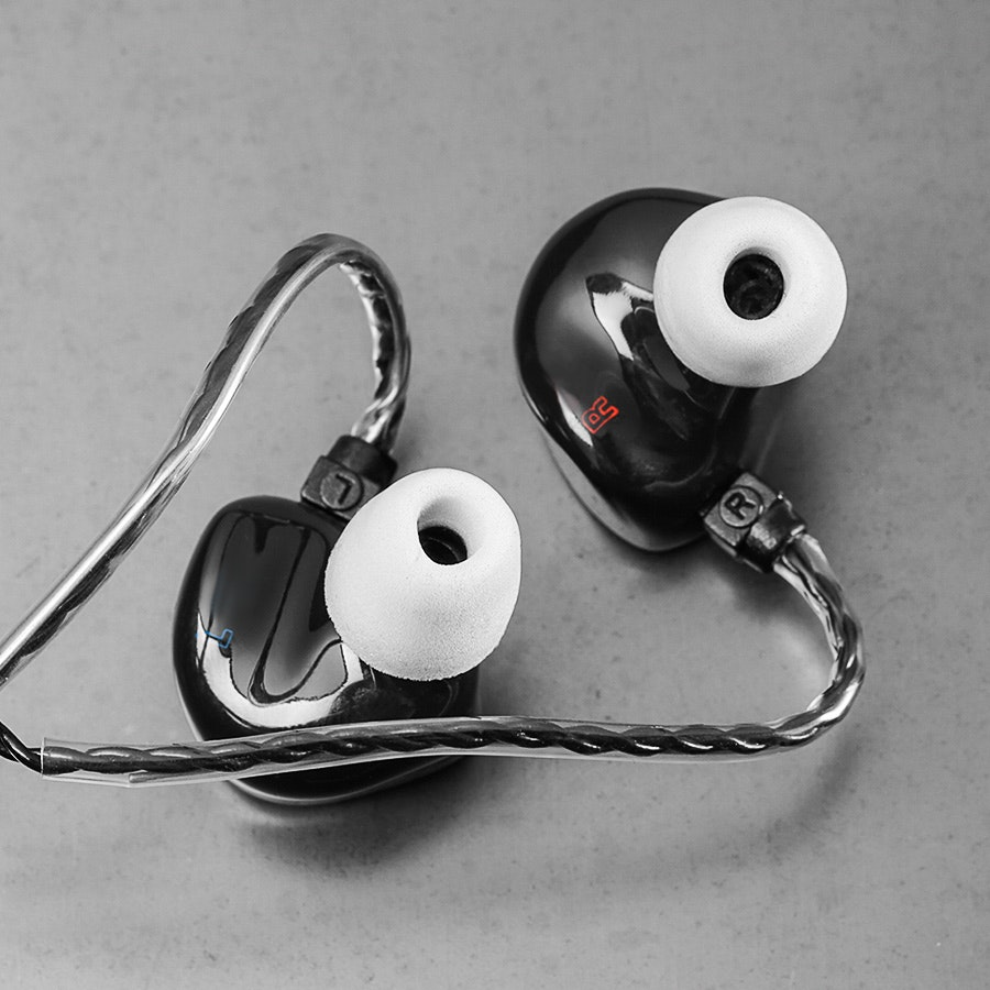 Unique Melody Miracle Universal IEMs