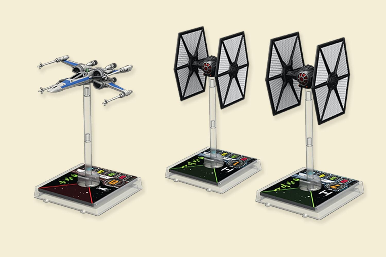 Star Wars X-Wing: Force Awakens (Presale)