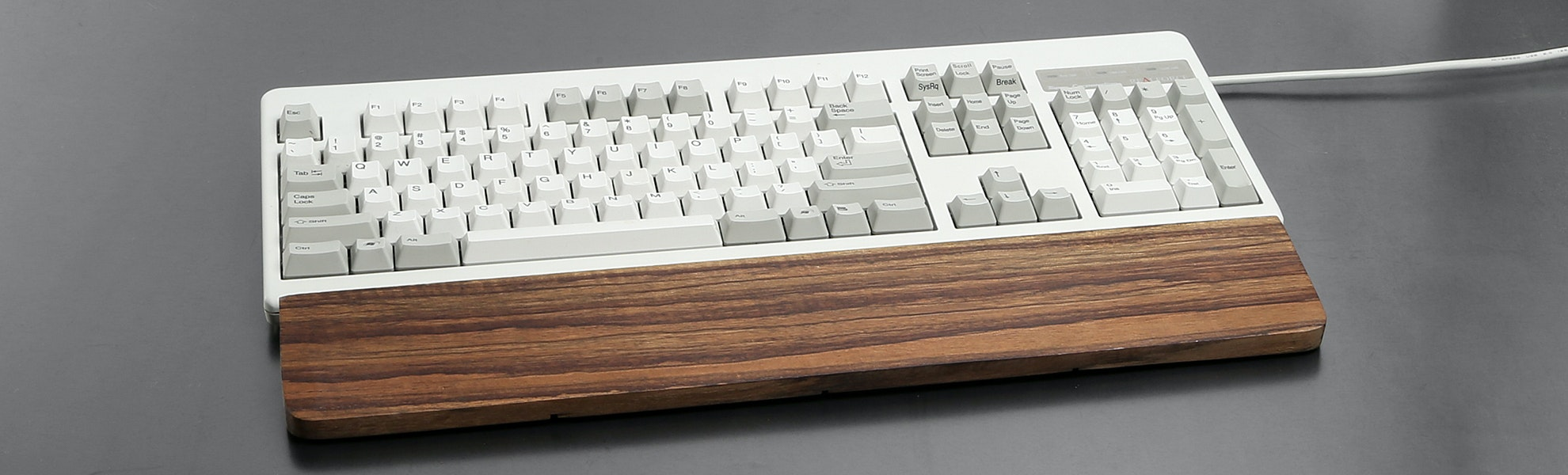 Topre Realforce 104U and Wooden Wrist