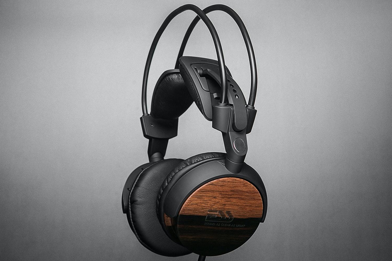 ESS-RLM-713 On Ear Headphones