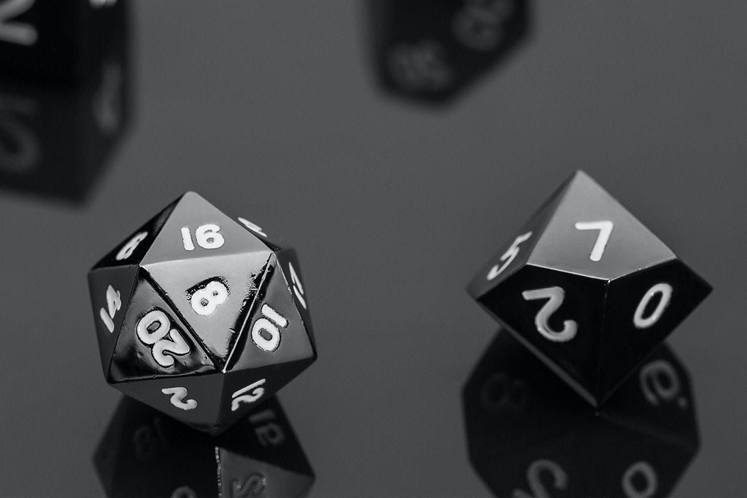 Metallic Sterling Grey 16mm Polyhedral Dice Set