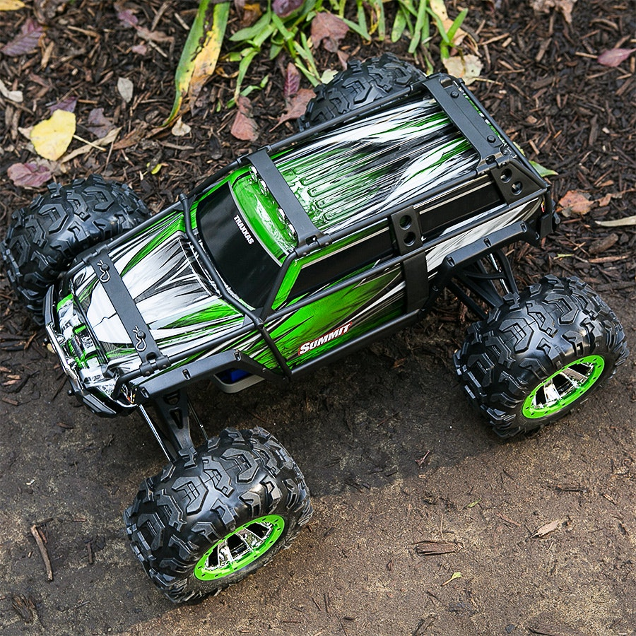 Traxxas Summit 4WD Monster Truck w/2.4GHZ Radio