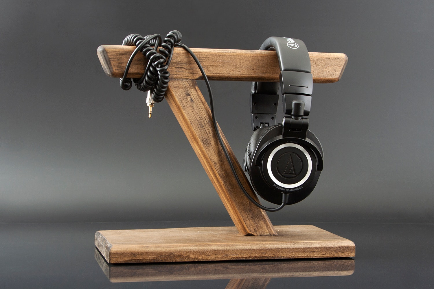 WoodWarmth Headphone Stand