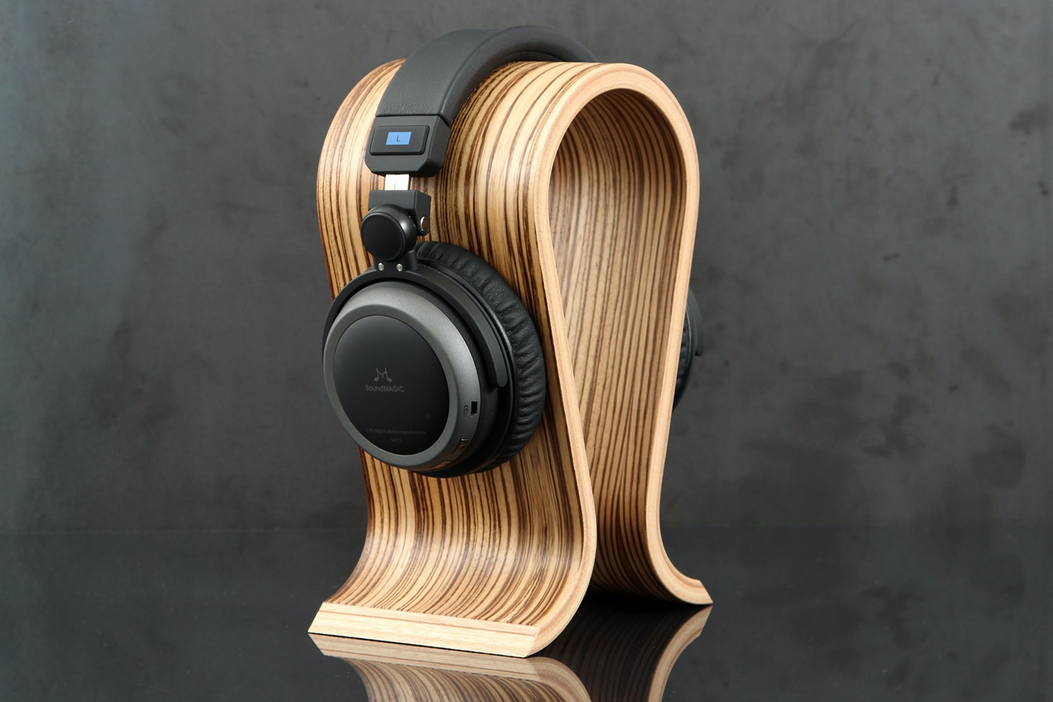Sieveking Omega Headphone Stand