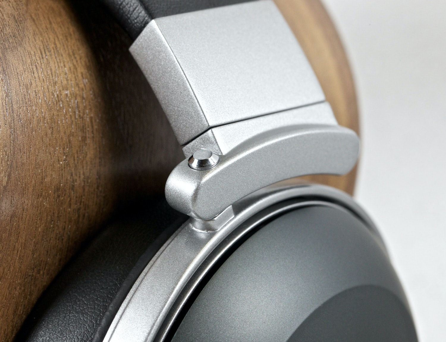 Denon D2000 Audiophile Headphones