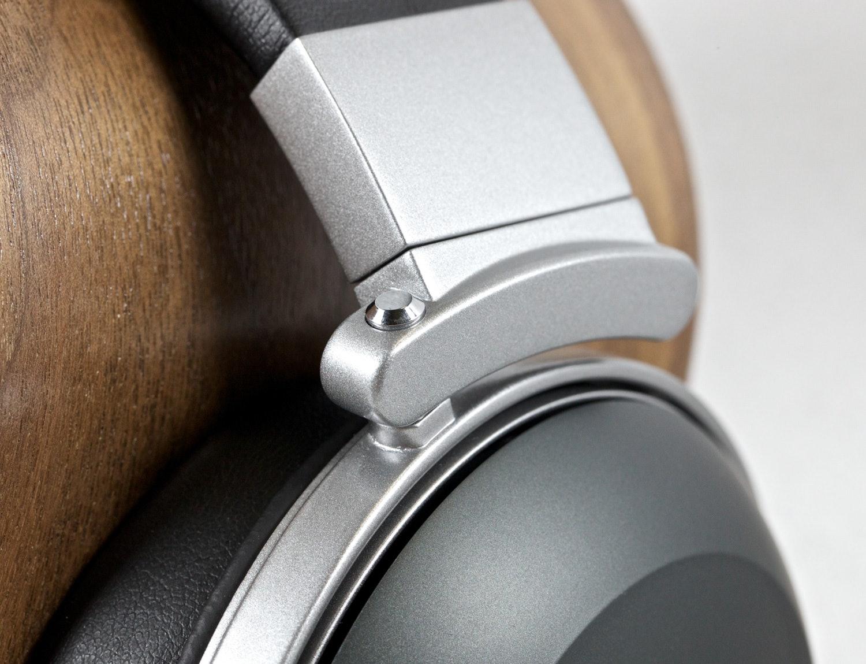 Denon D2000 Audiophile Headphones