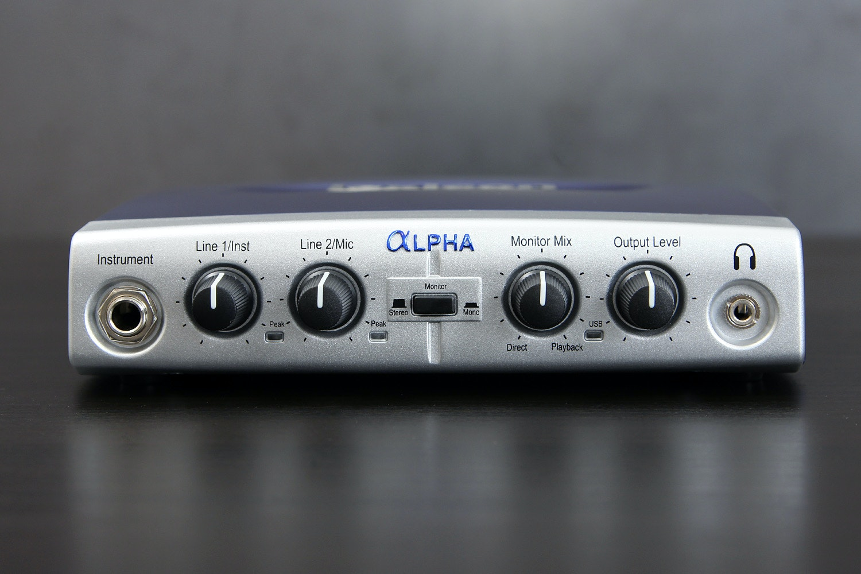Lexicon Alpha 2x2x2 Desktop Recording Studio