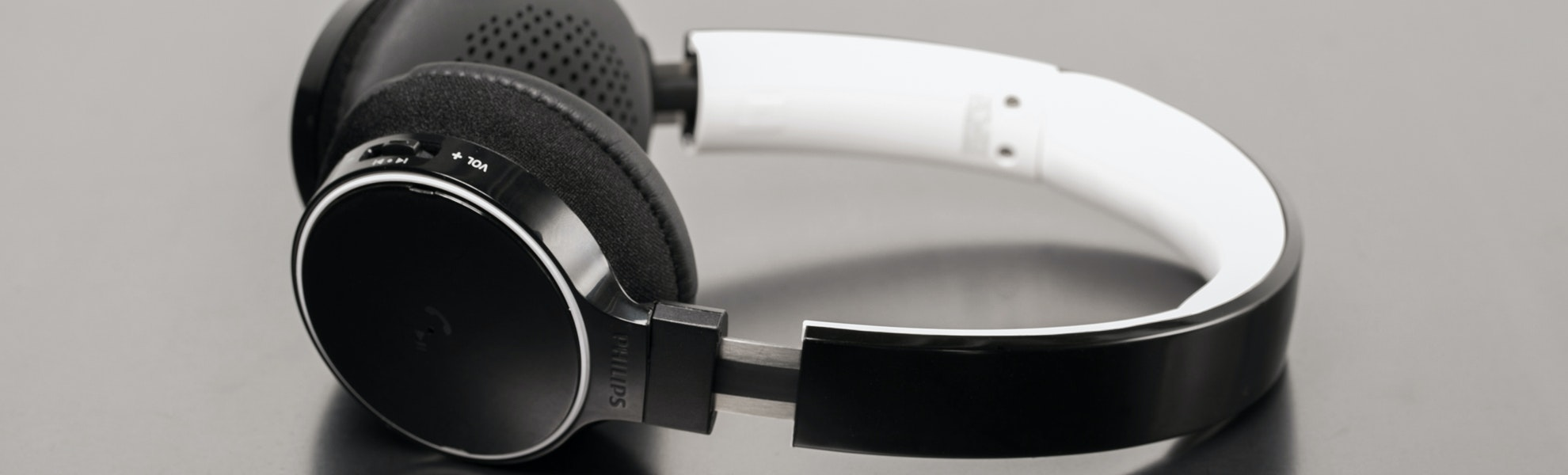 Philips SHB9100 Bluetooth Headphones