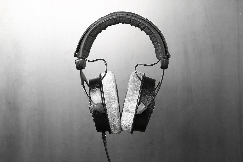 Beyerdynamic DT990 Pro Headphones