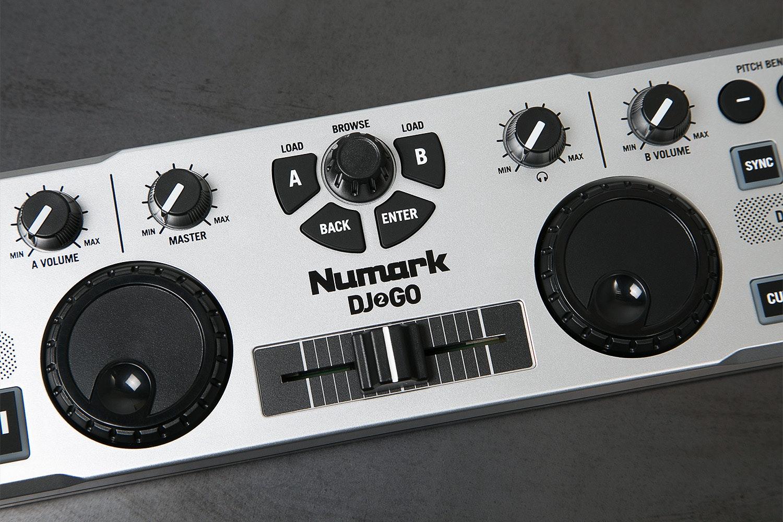 Numark DJ 2 Go Controller