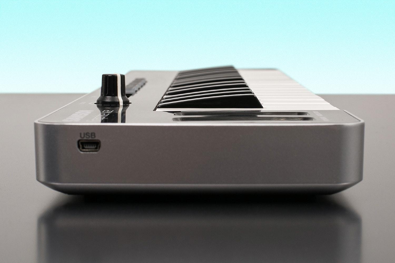 Samson Graphite M32 USB MIDI Controller