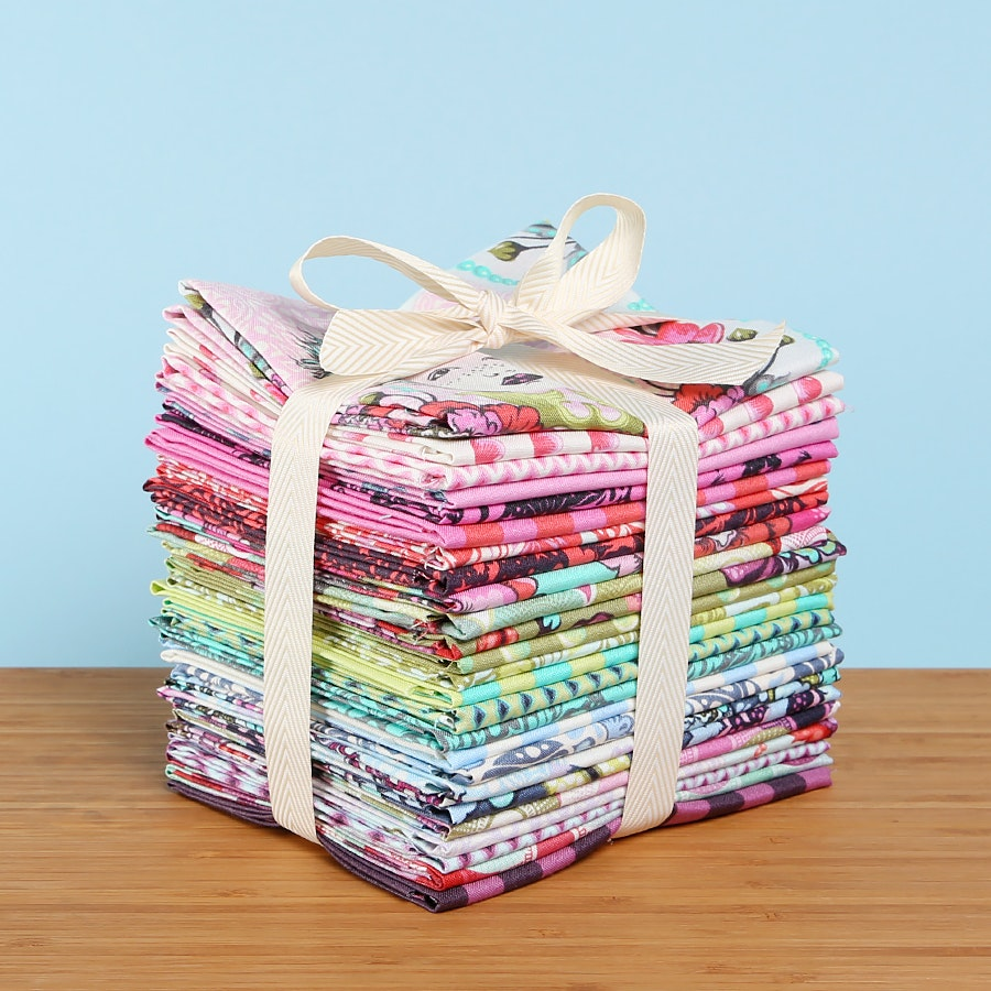 Elizabeth by Tula Pink Fat Quarter Bundle