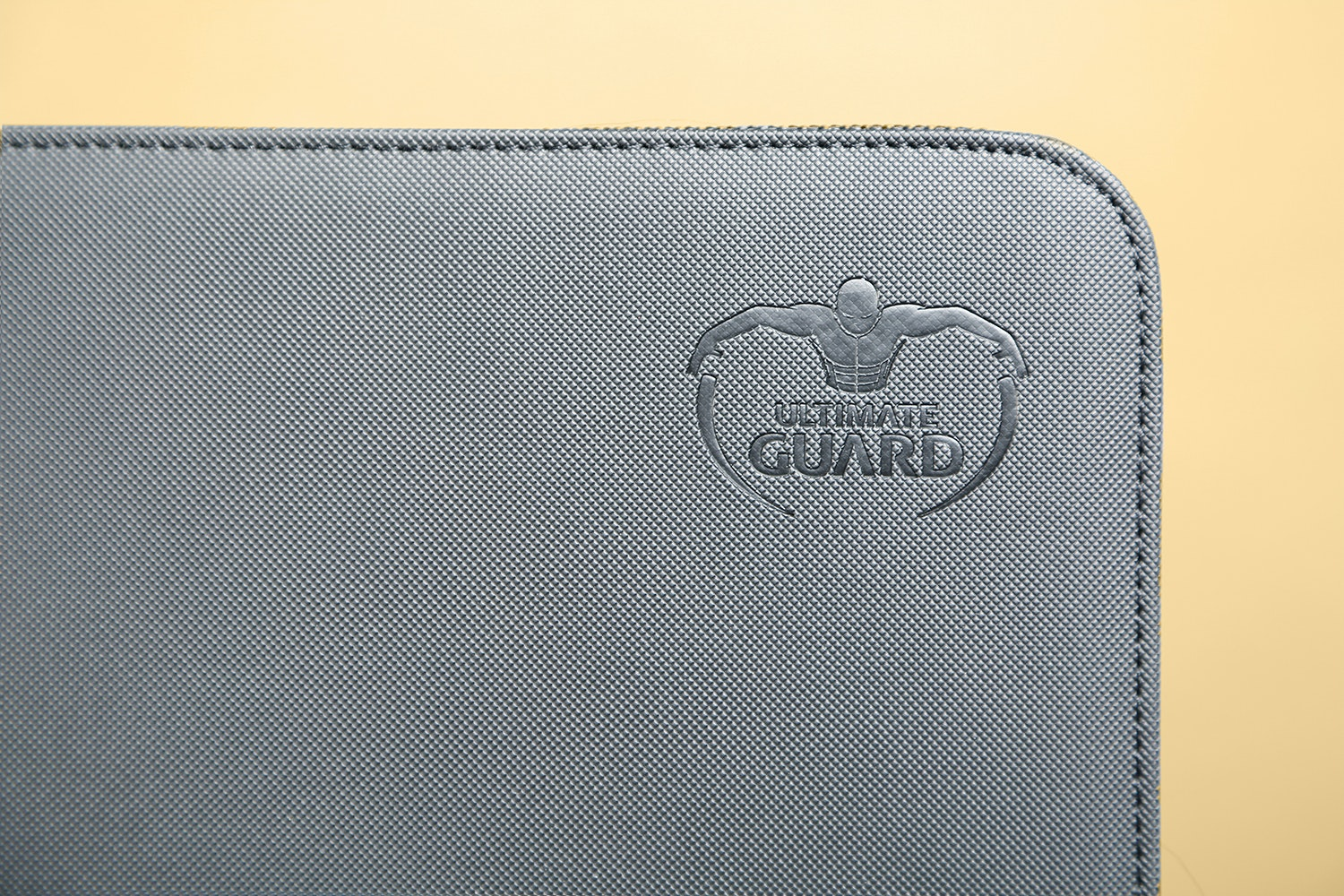 Ultimate Guard Xenoskin Album (2-Pack)