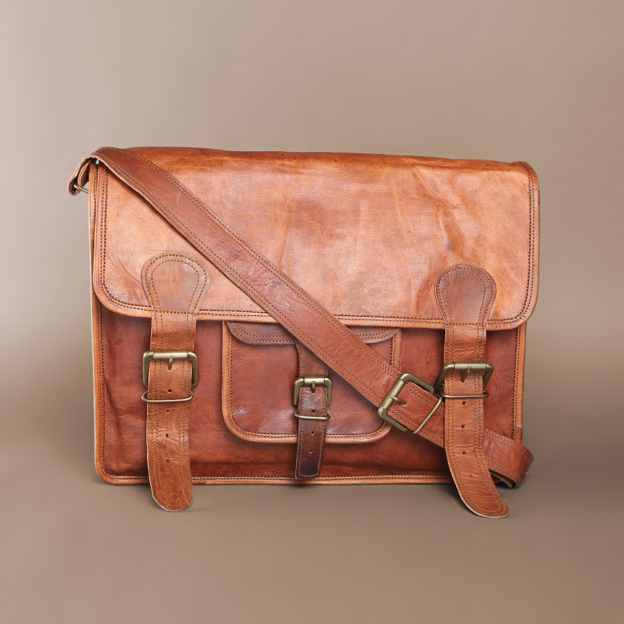 """Bros Leather """"The American"""" Messenger Bag"""