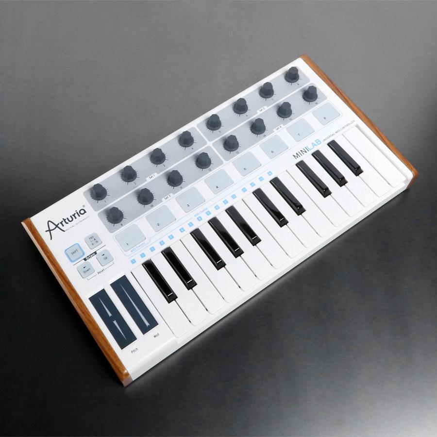 Arturia MiniLab 25-Key MIDI Controller
