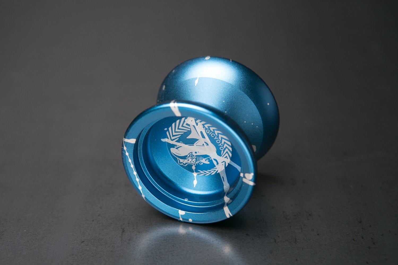 blue w/ white splash