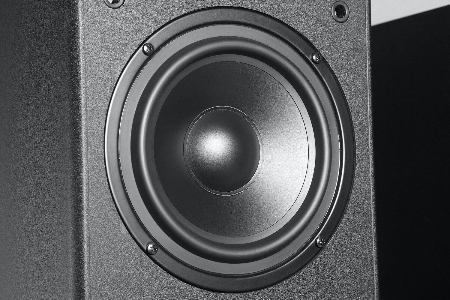 Monoprice Dual 6.5 Inch 2-Way Tower Speakers