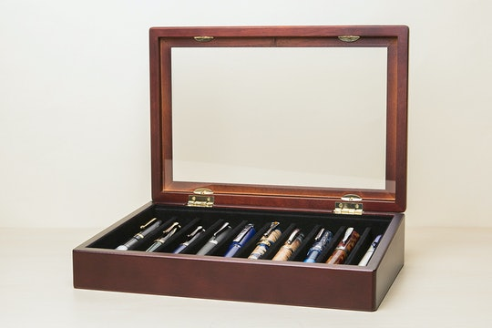 Lanier 10-Pen Display Case