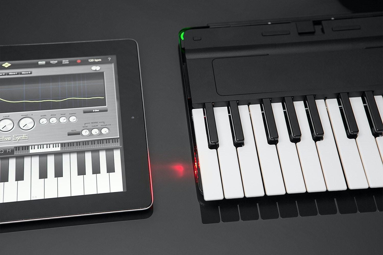 Miselu C.24 Wireless MIDI Keyboard