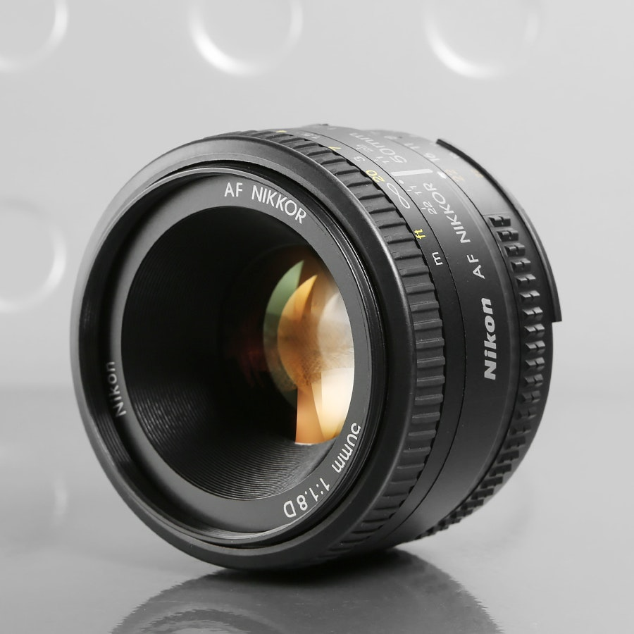 Nikon 50mm f/1.8D AF Nikkor Lens