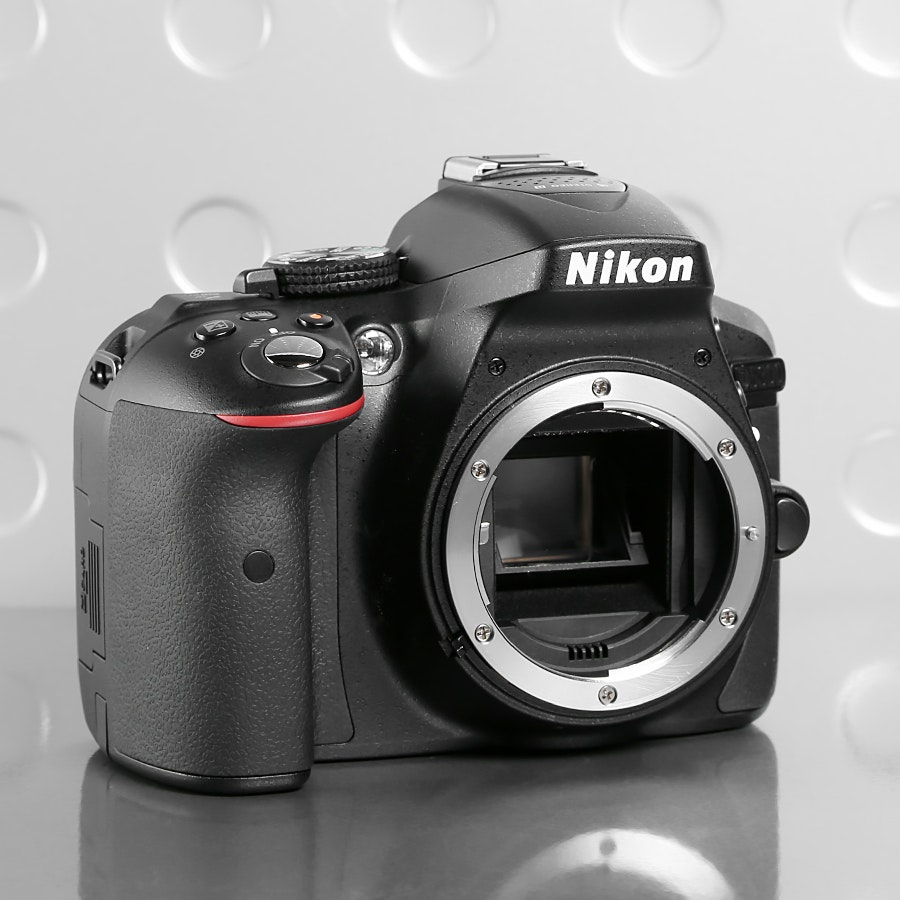 Nikon D5300 DSLR 18-55mm Camera Kit