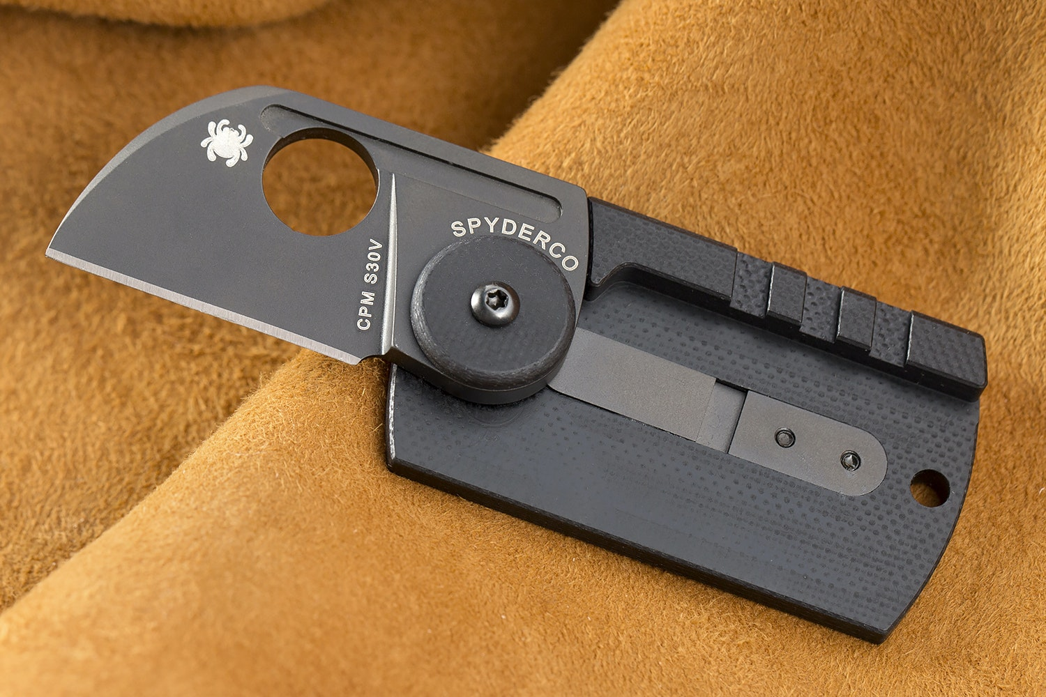 Spyderco Carbon Fiber Dog Tag Folder