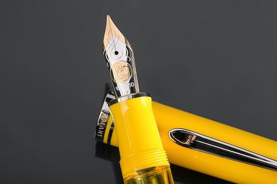 Pelikan Toledo M910 Yellow