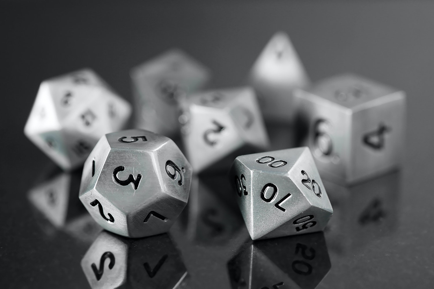 Metallic Antique Silver 16mm Dice Set