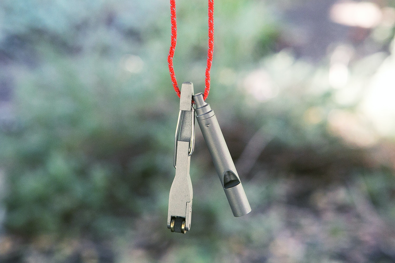 Vargo Titanium Whistle & Flint Lighter