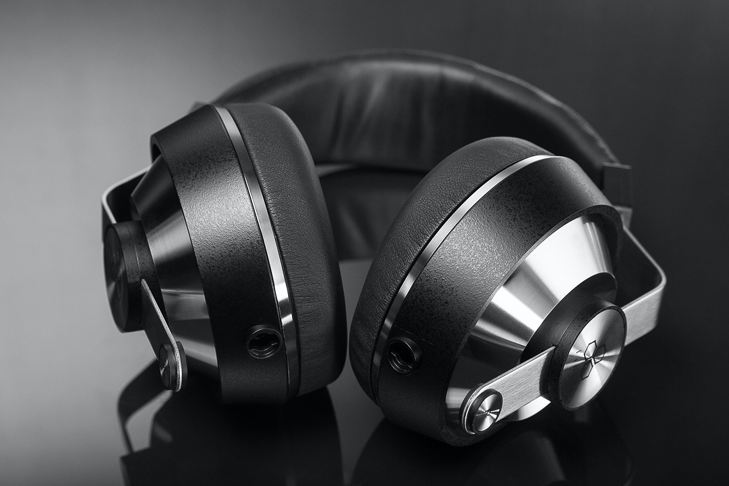 Final Audio Design Sonorous VI Headphones