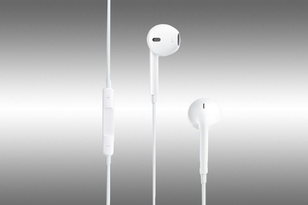Apple Earpods w/Remote Mic & Jewel Case