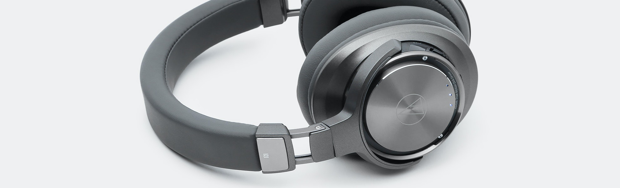 Audio-Technica ATH-DSR9BT Bluetooth Headphones