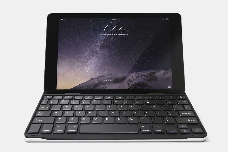 Azio Bluetooth Keyboard/Cover for iPad Air
