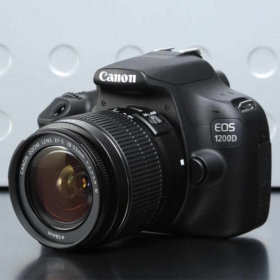 Canon EOS 1200D/T5 with 18-55mm II Kit Black